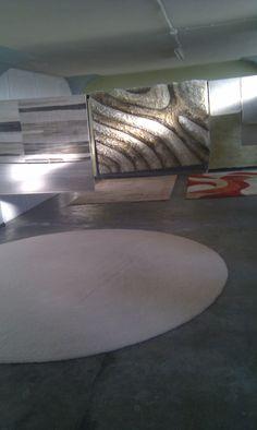 Po usłudze czyszczenia dywanów w Profesjonalnej pralni dywany są dokładnie suszone w powietrzu by nie były oddane klientowi mokre.Każdy klient otrzymuje dywan czysty i suchy.  Pranie dywanów z odbiorem w Poznaniu mozna zlecić fitrmie http://zawsze-czysto.pl/   Odbiorą Twoj dywan i odwiozą czysty pod wskazany adres.
