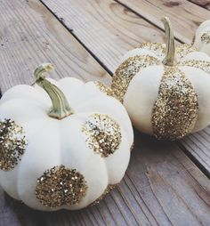glam litte glitter & white pumpkins...