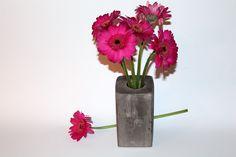 DIY Gips / Beton Vase + Anleitung:  DIY, Basteln, Selbermachen, Gips, Beton, Vase, Blumen, Deko, Dekoratin, Dekorationsidee, einfaches DIY, Geschenkidee...