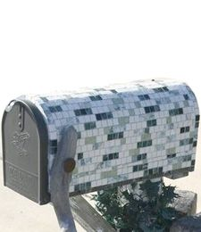 Make An Old Mailbox Fancy