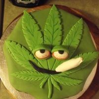 Photography Decorated Cakes And Other Artwork Cannabis Leaf Cake Tin Marijuana Leaves, Cannabis Edibles, Cupcakes, Cupcake Cakes, 17 Birthday Cake, 17th Birthday, Bachelor Cake, Leaf Cookies, Cake