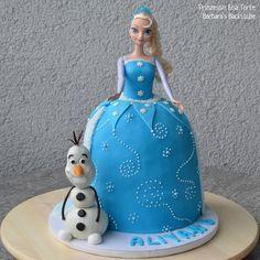 Barbara's Backstube: Prinzessin Elsa Torte (luftiger Schokokuchen mit H...