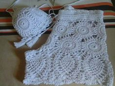 Discover thousands of images about Set Crochet Pants, Diy Crochet, Vintage Crochet, Crochet Clothes, Crochet Baby, Crochet Top, Crochet Bikini Pattern, Crochet Patterns, Bustier Top