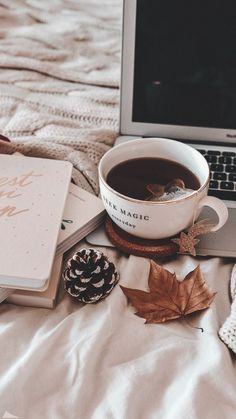 Cozy Aesthetic, Autumn Aesthetic, Brown Aesthetic, Christmas Aesthetic Wallpaper, Aesthetic Pastel Wallpaper, Aesthetic Wallpapers, Cute Fall Wallpaper, Winter Wallpaper, Coffee Photography