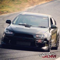 Mitsubishi Lancer Evo! wow!