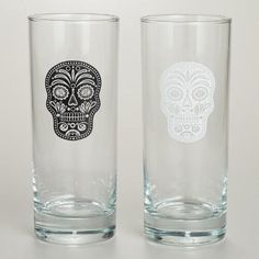 Raise your glass to the spookiest season of the year with our Muertos High Ball Glasses. With a traditional design inspired by Dia de los Muertos, these glasses are a perfect addition to your seasonal barware for fall and make a cool way to serve a cocktail any time of year.
