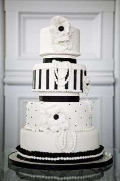 elegant black and white cake #blackandwhitecake http://www.weddingchicks.com/2013/12/03/timeless-editorial-shoot/