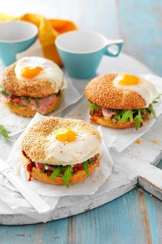 6 ingredients Meat 200 g Double smoked ham Produce 1 Avocado, large 20 g Baby rocket Refrigerated 4 Eggs Condiments cup Tomato chutney Bread & Baked Goods 4 Bagels Easy Home Recipes, Super Healthy Recipes, Healthy Foods To Eat, Healthy Eating, Cooking Recipes, Diet Foods, Seafood Recipes, Bagel Breakfast Sandwich, Breakfast Recipes