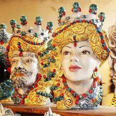 Sicilian Ceramics of Caltagirone. 100 Euro, Moorish, Art Decor, Concept Art, Pottery, Princess Zelda, Handmade, Fictional Characters, Vendetta