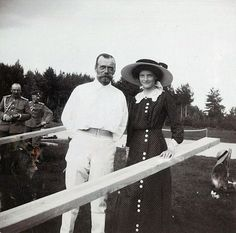 Tsar Nicholas II of Russia with his daughter Grand Duchess Tatiana Nikolaevna of Russia at Finnish archipelago, Imperial tennis park Virolahti. Description from weheartvintage.co. I searched for this on bing.com/images