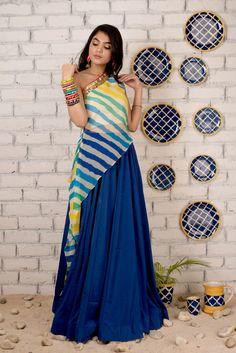 Fashion Show Dresses, Indian Fashion Dresses, Indian Designer Outfits, Stylish Dresses, Abaya Fashion, Designer Party Wear Dresses, Kurti Designs Party Wear, Lehenga Designs, Designer Wear