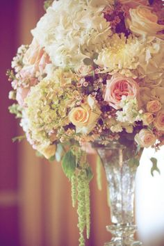 Beautiful/romantic wedding centerpiece