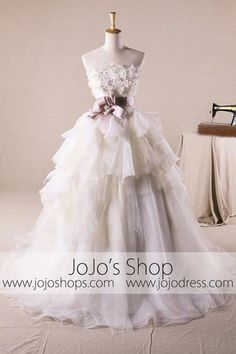 I wouldn't wear this as a wedding gown; I'd want it in a different but pale color.