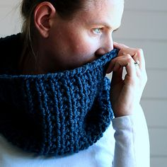 Silence Cowl Knitting Pattern by Brome Fields on Raverly