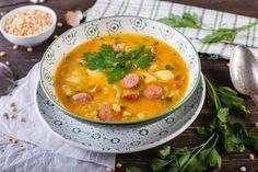 Сытный гороховый суп с копченостями.  Колбаски копченые, грудинка копченая, курица - филе грудки, горох, морковь, лук репчатый, картофель, сельдерей, петрушка, чеснок. Подробный рецепт можно найти в архиве рецептов на сайте http://vkusnadom.ru/  Готовить изысканные ресторанные блюда легко с ВкусНаДом!) Заказ можно сделать на сайте http://vkusnadom.ru/ или в группе в вк https://vk.com/vkusnadom