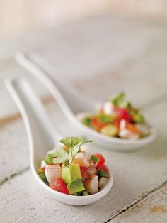 Shrimp and Avocado Ceviche Healthy Cocktails, Easy Cocktails, Ceviche, Healthy Soup Recipes, Healthy Snacks, Low Calorie Smoothies, A Food, Food And Drink, Cocktail Party Food