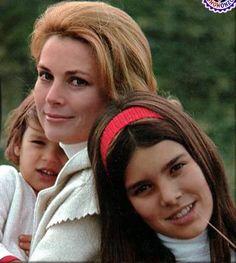 Princesse Grace,avec Stephanie & Caroline