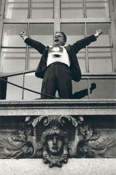 "Robert Frank | The Americans,Foto 2. ""Political rally — Chicago,"" 1956. Robert Frank via Pace/MacGill"