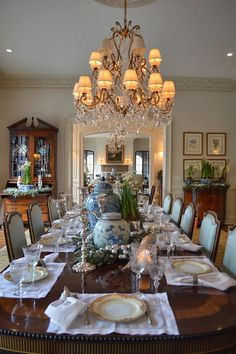 Glorious and Luxury Western Dining Room Design 1 - Home Design Elegant Dining Room, Luxury Dining Room, Dining Room Design, Dining Room Table, Traditional Dining Rooms, Enchanted Home, Dining Room Inspiration, Layout Design, Design Ideas