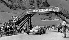 Manfred von Brauchitsch mit dem 5,6-Liter 750 kg-Formel-Rennwagen W 125 vermutlich beim Training zum Großen Bergpreis von Deutschland auf der Großglocknerstraße (2 Läufe), 06.08.1939. Der Rennwagen von Brauchitsch (Startnummer 127) war zur Traktionsve