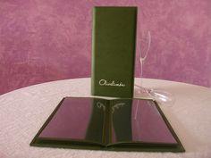 Restaurante Olivalimón Marbella  Carta de polipiel de gran calidad con diseño elegante y actual realizado en polipiel de alta calidad en colores verde limón y verde oliva.