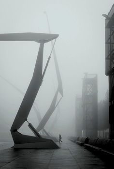 nielsblog:  Foggy R'dam by German photographer Moritz Bernoully