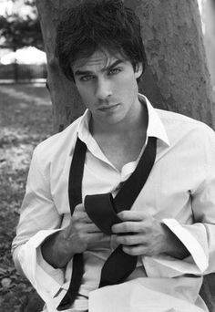 I love my boyfriend, but Ian Sommerhalder is the hottest guy I have ever seen in my life.