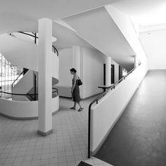 Le Corbusier – Charles-Édouard Jeanneret-Gris (1887-1965)   Villa Savoye   Poissy, France   1928-1931   Restauré en 1985