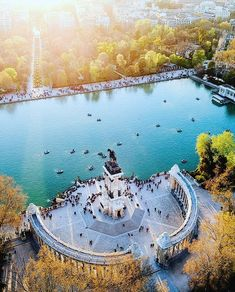 [New] The 10 Best Travel (with Pictures) - El Retiro - Jardines del Buen Retiro de Madrid. Bio link has all the best spots to visit in Madrid on an offline map. Beautiful Places To Visit, Cool Places To Visit, Wonderful Places, Madrid City, Foto Madrid, Equestrian Statue, Southern Europe, Spain Travel, Spain Tourism