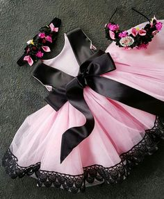 Baby Girl Frocks, Baby Girl Party Dresses, Kids Frocks, Frocks For Girls, Toddler Girl Outfits, Little Girl Dresses, Kids Outfits, Flower Girl Dresses, Kids Dress Wear