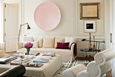 Eclectic living room with neutral sofa, oversized coffee table, and large-scale art and moulding. Eclectic Living Room, Living Spaces, Small Living, Room Interior, Interior Design Living Room, Neutral Sofa, Spanish House, Cool House Designs, Bedroom Designs