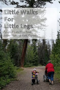 Hiking with kids, this is a nice and easy walk around Pyramid Lake in Jasper National Park