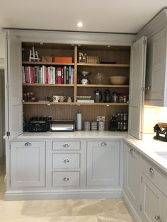 Farmhouse Chic Kitchen Cabinets Storage New Ideas Open Plan Kitchen Living Room, Kitchen Family Rooms, Home Decor Kitchen, Kitchen Interior, New Kitchen, Home Kitchens, Kitchen Dining, Kitchen Cabinets, Base Cabinets