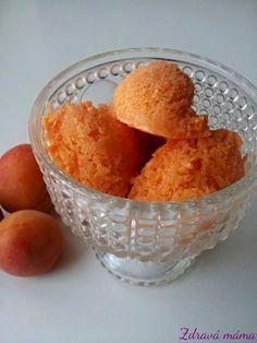 Meruňková zmrzlina s mandlovou smetanou | Zdravá máma | Bloglovin' Sugar