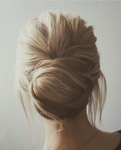 Beautiful chignon wedding hairstyle | fabmood.com #hairstyle #chignon #weddinghairstyle #updoideas #bridehair #braidupdo #weddinghairstyles