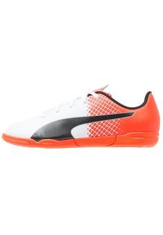 best sneakers 20a6e f3539 ¡Consigue este tipo de zapatillas fútbol de Puma ahora! Haz clic para ver  los
