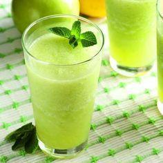 Apple slush with mint (tastes like mojito - Bebidas Para Adelgazar Smoothie Drinks, Fruit Smoothies, Detox Drinks, Healthy Smoothies, Healthy Drinks, Smoothie Recipes, Healthy Food, Raw Food Recipes, Mexican Food Recipes