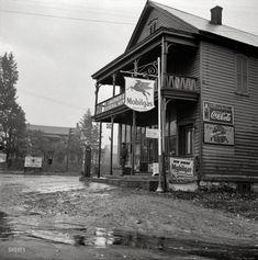 "October 1941. ""Main store. Fort Hunter, New York."""