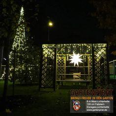 Nice Die neuen k nstlichen Weihnachtsb ume mit LED Lichtereketten bestehen aus einem Mast mit LED Lichterketten und einer Aufh ngevorrichtung