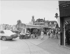 Hoogstraat Leiden met de lelijke kramen.