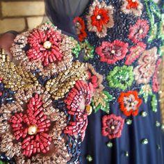 75 отметок «Нравится», 1 комментариев — Fashion Designer (@crismorenocm) в Instagram: «Muitas flores nos nossos novos vestidos!!! »