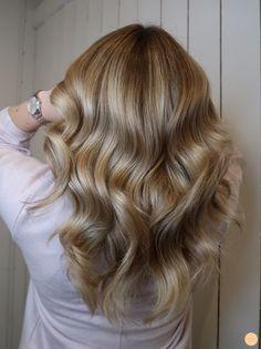 Beige Hair, Brown Blonde Hair, Hairstyle Look, Pretty Hairstyles, Dye My Hair, Aesthetic Hair, Balayage Hair, Gorgeous Hair, Hair Hacks