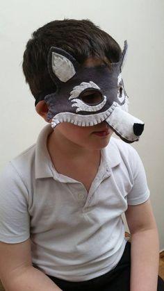 Máscara de lobo vistiendo traje de fieltro disfraces traje
