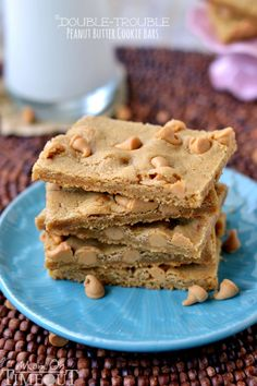 Double Trouble Peanut Butter Cookie Bars found on Mom on Timeout via bloglovin.com    Wendy Schultz - Biscuits & Cookies.