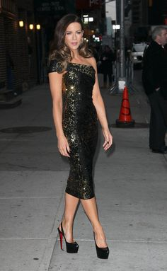 Pin for Later: 41 Supersexy Pictures of Kate Beckinsale  Kate Beckinsale posed in a tight dress and high black heels outside of the Late Show With David Letterman in January 2012.