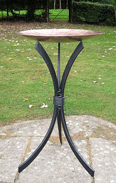 Bird Bath high Forged steel frame and hand beaten copper dish diamet. Metal Art Projects, Welding Projects, Welding Art, Welding Crafts, Bird Bath Garden, Blacksmith Projects, Metal Yard Art, Steel Art, Water Features In The Garden