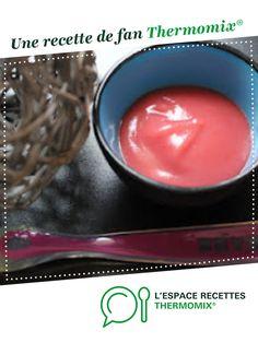 Compote pomme fraise sans sucre pour bébé dès 6 mois par Papilles-on-off. Une recette de fan à retrouver dans la catégorie Alimentation pour nourrissons sur www.espace-recettes.fr, de Thermomix<sup>®</sup>.