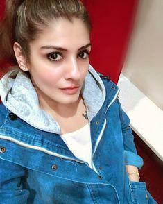 Ravenna Tandon, Shiva Lord Wallpapers, Indian Celebrities, Vintage Movies, India Beauty, Beautiful Indian Actress, Bollywood Actress, Indian Actresses, Maybelline