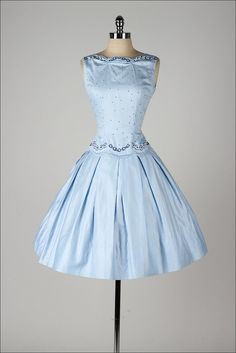 vintage 1950s dress . TEENA PAIGE . dead by millstreetvintage This is extremely vintage . I want to own it