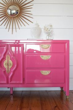 High gloss pink dresser Source by kaylapayne Refurbished Furniture, Upcycled Furniture, Furniture Projects, Furniture Makeover, Painted Furniture, Furniture Design, Furniture Stores, Cheap Furniture, Hot Pink Furniture